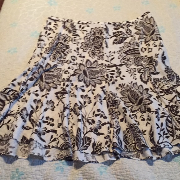 American Living Dresses & Skirts - Brown floral skirt American Living size 14